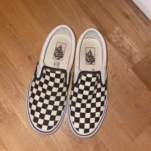 Säljer min schack vans skor dem är i bra skick, priset går att diskutera👍