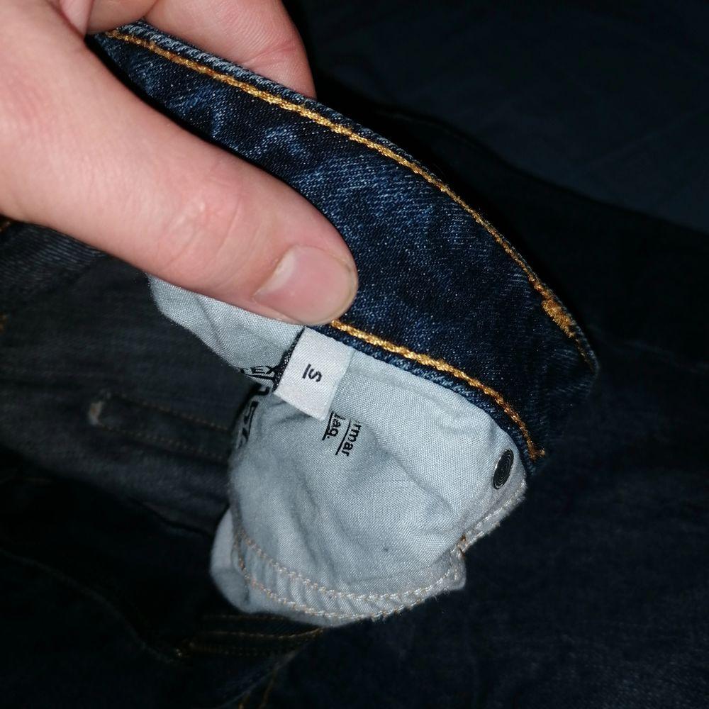 Ett par shorts för killar som passar till de mesta! Budgivning + köpare står för frakt . Shorts.
