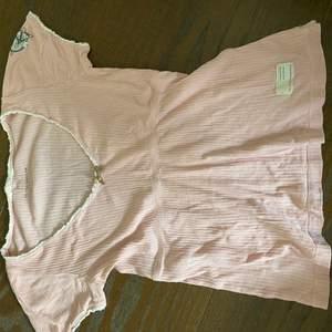 T-shirt från odd molly passar en S-M kanske en XS.