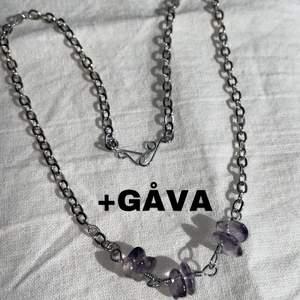 ❤️✨JUST NU Matchande örhängen på köpet ✨❤️ Handgjort halsband med Ametist-chips ✨ Görs i önskad längd ✨ 75kr styck ✨