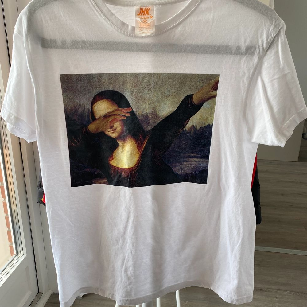 Köpt i italien ovanligt t-shirts i stl S. T-shirts.