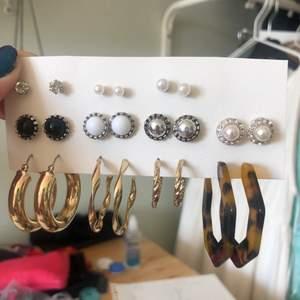 Säljer olika örhängen, alla är oanvända ❤️ de är styck pris och de kostar olika! Hör av er vid frågor ❤️