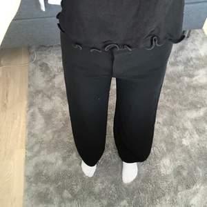 Kostymbyxor från H&M i storlek 36💕