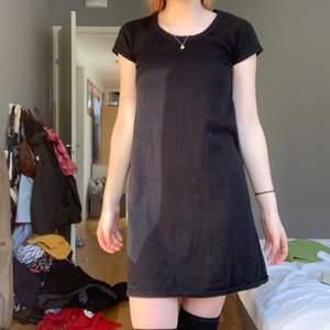 Fin svart klänning, som aldrig kommer till användning:)