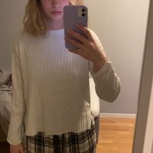 Tröja från Zaras barnavdelning, jag är storlek S på bilden