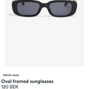 Hej! Säljer dessa solglasögon från monki, oanvända med prislappen på. Säljer eftersom tycker inte dom passar mig och går inte att lämna tillbaka. Köpta för 120kr +frakt men slutsålda. Hör av er vid funderingar, pris kan diskuteras ❤️