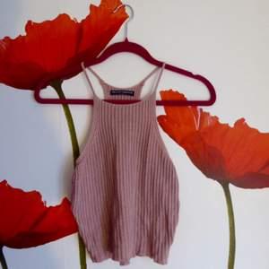 Jättefint ljusrosa, stickat linne från Brandy Melville. Som nytt. Frakt: 28 kr 🌸