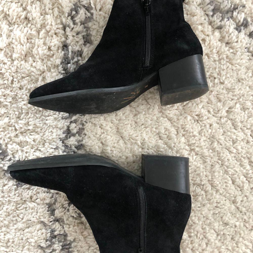 Sparsamt använda höst boots från Nilson shoes. Nypris  1000kr. Skor.