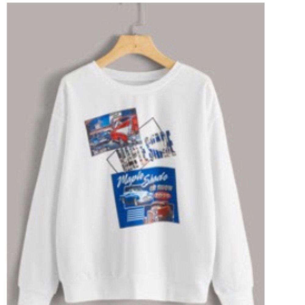 Enkel snygg sweatshirt från SHEIN, storlek M, budet ligger på 120 kr + frakt. Huvtröjor & Träningströjor.