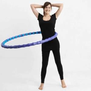 Vikt: 1,45 kg Diameter: 110 cm Tjocklek: 4,25 cm Material: Ringen i PE, massagekulor i PVC