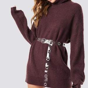 Hej jag säljer en klänning som är designad av linn Ahlborg från nakd svin snygg går att använda som tröja och klänning och är i xs. Säljer för 200kr ink frakt!