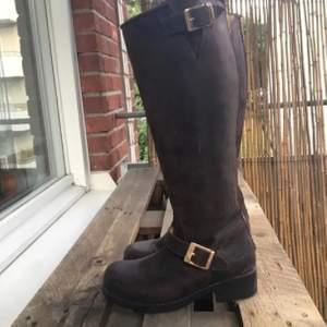 Johnny bulls brun boots i stl 38 som helt ny. Använd 1-2 gånger