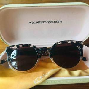 Komono sunglases used few times but in perfect shape. Limited edition: the lulu 4822 145