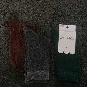 Jättefina glittriga strumpor från Monki. Oanvända!