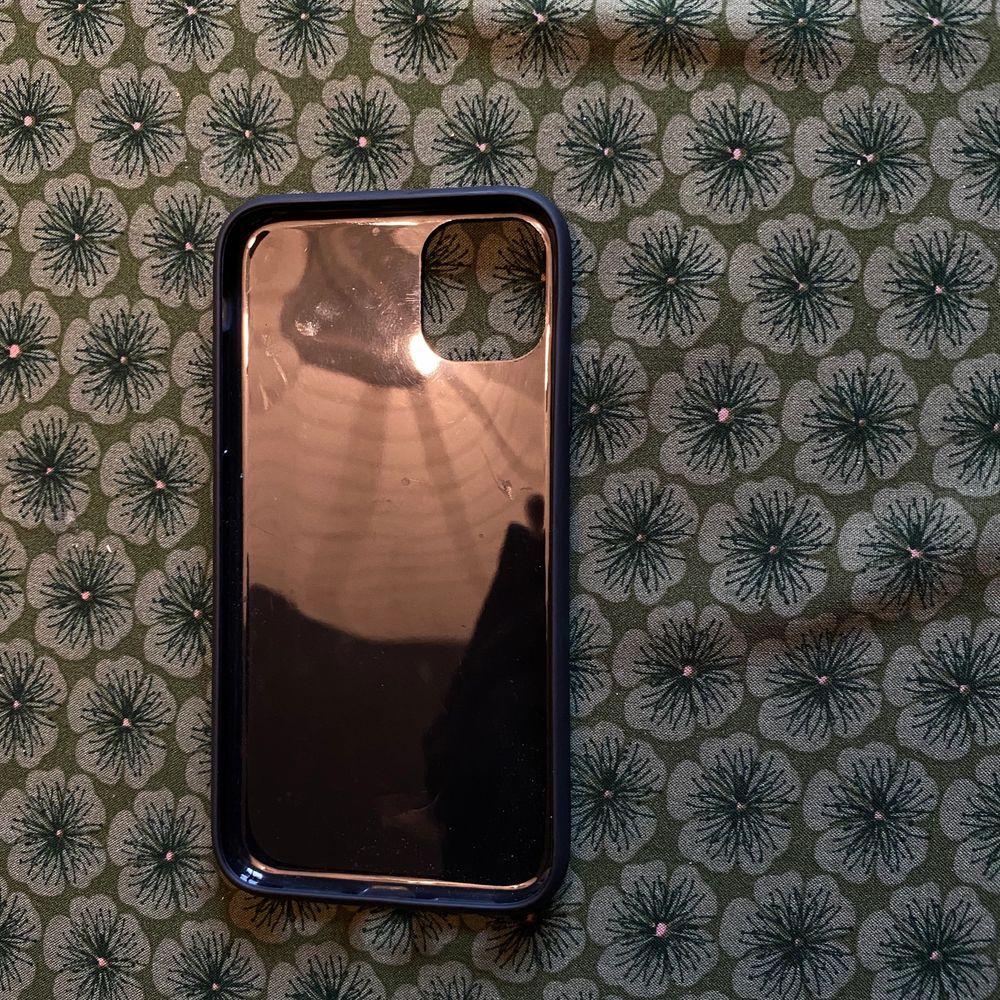 iPhone 11PRO skal 🌿 aldrig använd då jag råkade köpa i fel storlek, 7,5•15cm. Accessoarer.