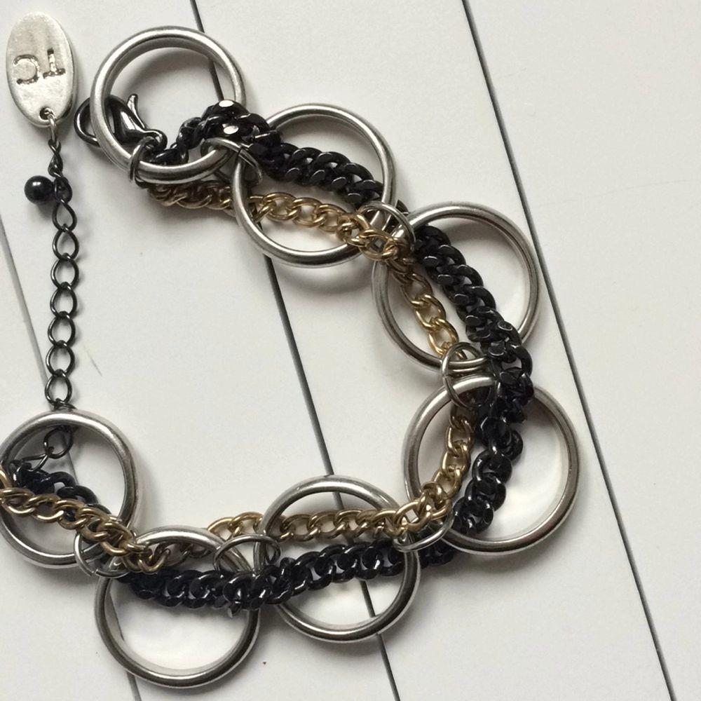 Armband från glitter. Nypris 150 Silver guld och svart.. Accessoarer.