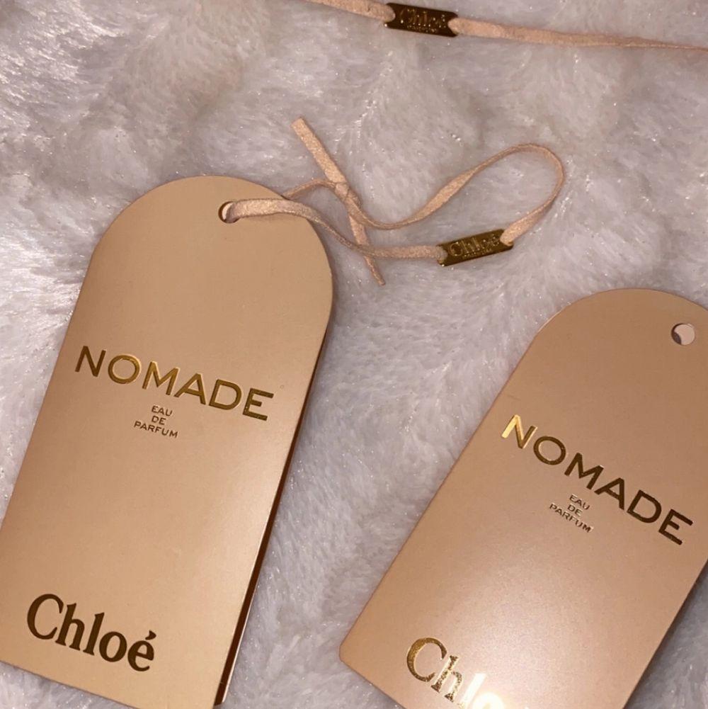 Chloe nomade testers! Man kan även göra trådet till ett litet armband 🥺. Accessoarer.