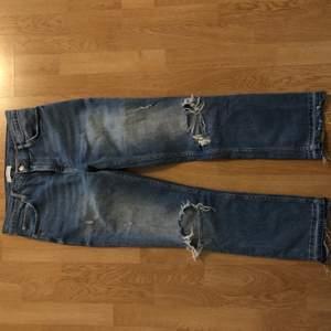 Jeans från Zara i storlek 38. Köpare står för frakt