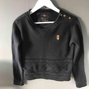 Jätte fin tröja från Morris i fint skick. Den är i L men skulle säga att den är rätt liten i storleken så mer en S/M. Köpare står för frakten.