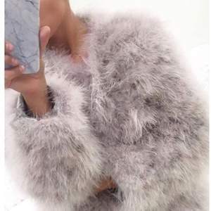 Säljer denna snygga och sköna jackan från Dennis Maglic eftersom den är för liten för mig och kommer aldrig till användning. Använd ett par gånger men ser ut som ny. Nypris:1300 Du står för frakten