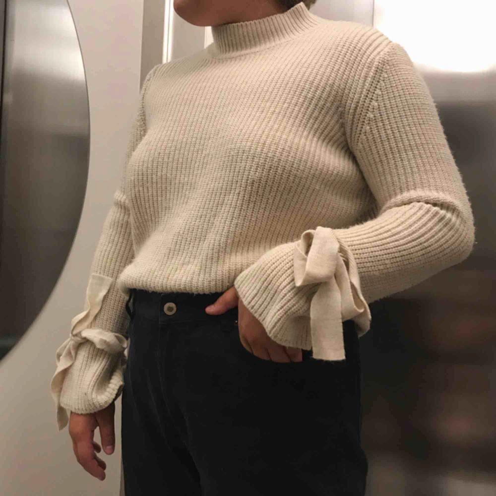 Jätte skön stickad tröja från Gina för 120kr inklusive frakt. Stickat.