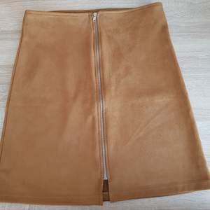 A linje kjol från Cubus. Aldrig använt. Original pris var 250. Perfect to wear in autumn😊