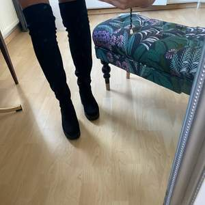 Svarta boots köpta på Asos, storlek 38.
