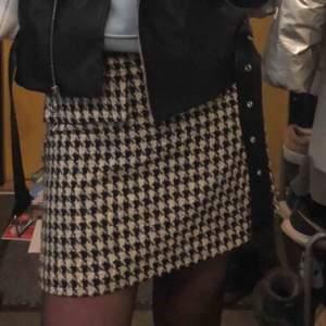 En mönstrad kjol från hm