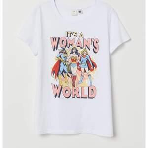 Snygg t-shirt från H&M i storlek S. Betalning sker via swish. Pris kan diskuteras!!!⚡️