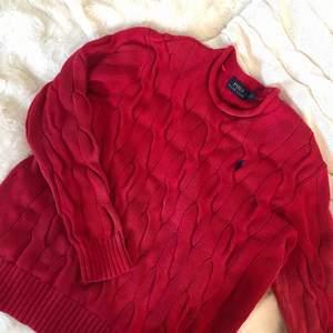 Jättefin Polo Ralph Lauren tröja i mjukt skönt stickat material. Sparsamt använd
