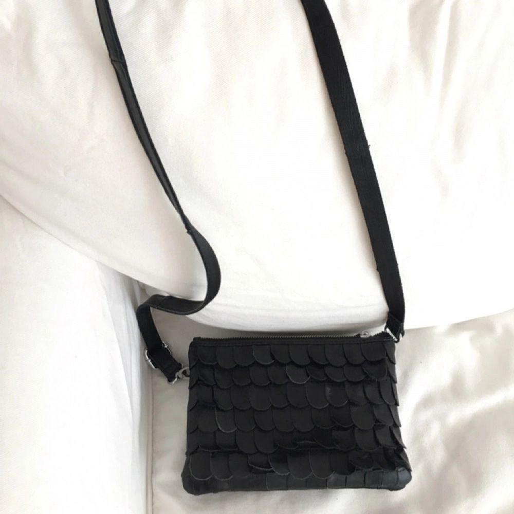 #Handväska från #wos i fint skick. Väldigt lite använd. #Skinn kan mötas upp i Uppsala eller Stockholm  . Väskor.