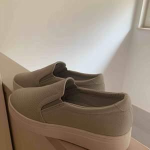 Fina skor från Duffy. Knappt använda Fraktkostnad tillkommer✨✨