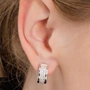 Creolörhängen. vit, silverfärgad sterlingsilver