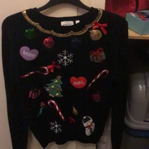 Söt jultröja ! Köpt på barnavdelningen:)
