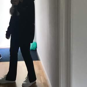 Knappt använda skor från Nelly. Köparen står för frakt ❤️ nypris: 349kr.
