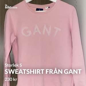 Fin rosa sweatshirt från märket Gant i storlek S. Sparsamt använd och i fint skick. Säljer då den inte kommer till användning för mig längre. Jag bjuder på frakten på denna om köparen vill att den fraktas😊