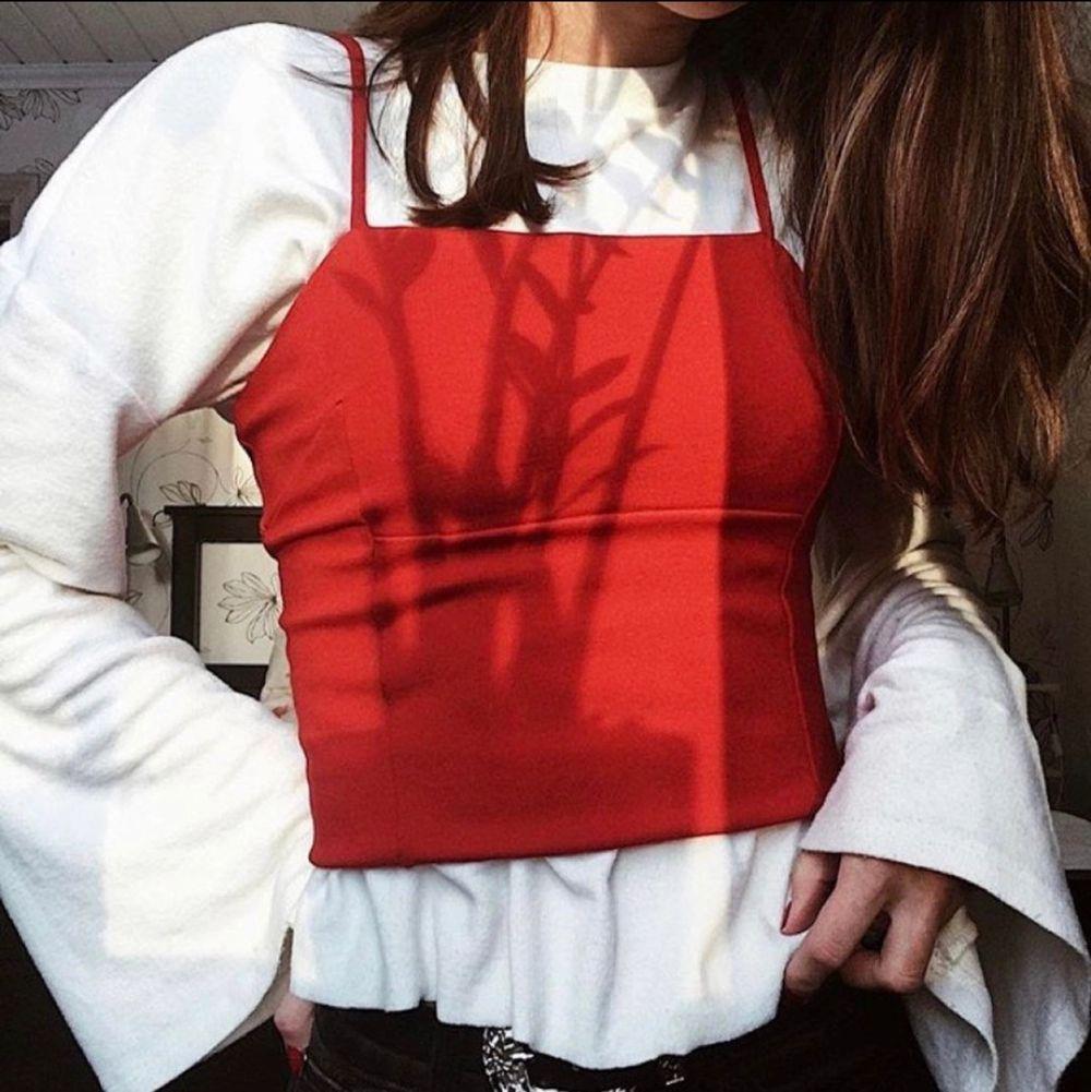 Långärmad tröja med vida ärmar🤍💍 perfekt under andra tröjor❤️  Frakt 22kr. Toppar.