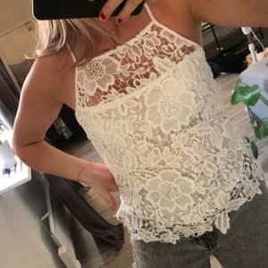 Jättefint linne från Gina tricot i storlek 36☺️