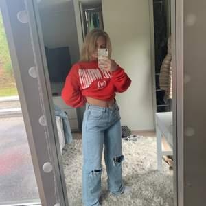 Populära jeansen från Ginatricot i storlek 40. Säljer på på grund av att jag köpte fel storlek. Köparen betalar frakten.