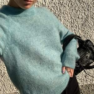 Turkos stickad tröja i strl S. Bra kvalite 💖 köparen står för frakt!! Buda i kommentarerna!!! 🤍🤍