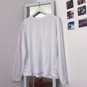 Vit oversized tröja, helt oanvänd!