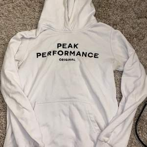 Peak performance hoodie, köpt på kidsbrandstore, strl 150/xs