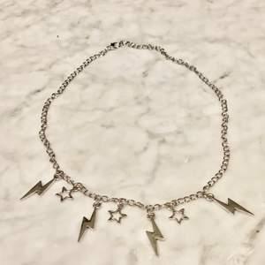 Ett blixt halsband jag har gjort själv ! ⚡️ den kostar 60kr + frakt