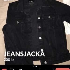 Svart jeansjacka från zara 💗 Storlek S Knappt använd alltså i nyskick