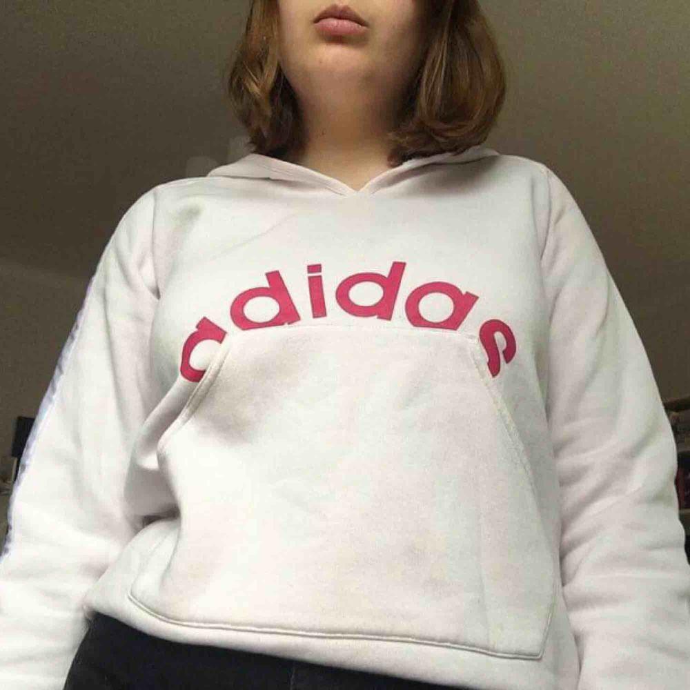 Supersnygg Adidashoodie! . Huvtröjor & Träningströjor.