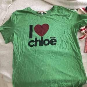 T-shirt seeby chloé, självklart äkta men gammal! Passar en small