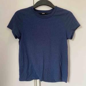 Blå tröja från bikbok i storlek XS Köpare står för frakt☺️ Använd några gånger men i bra skick