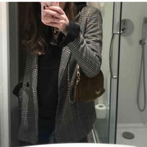 Säljer denna fina kappa i storlek xs. Kanpt använd. Köparen står för frakten