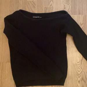 One shoulder tröja från Evan&Odd
