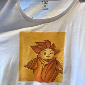 Handmålade tröjor. Du kan bestämma motiv själv. Mer info i tidigare annonser❤️❤️